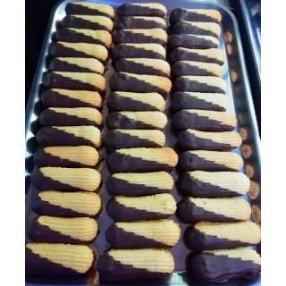 Pastas de Mantequilla con Mermelada y Chocolate Negro